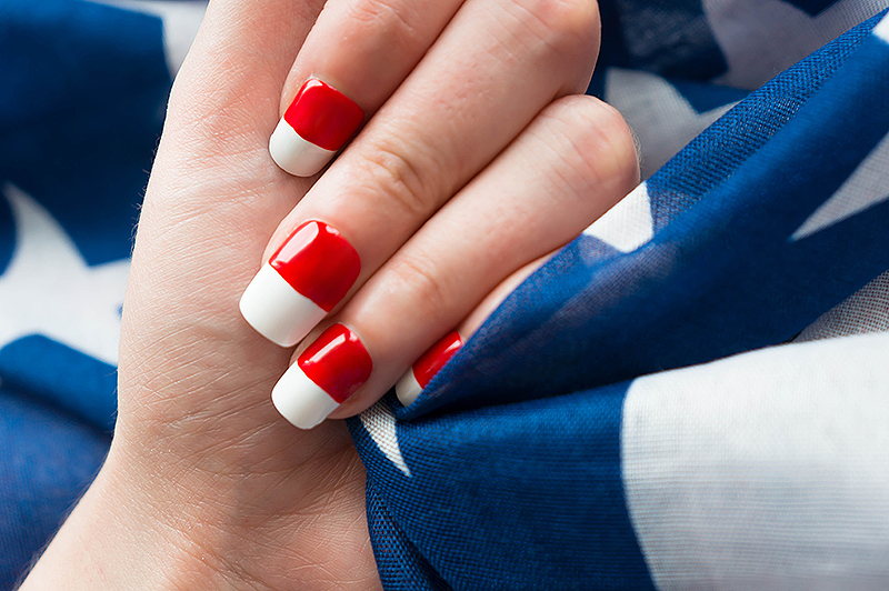 July 4th Nails - 4 | www.latenightnonsense.com