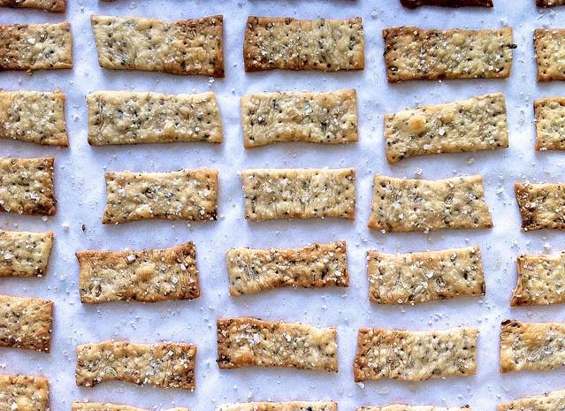 Baked Crispy Flatbread Crackers