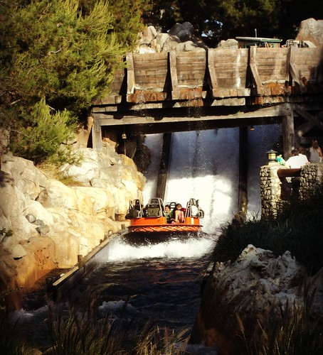 Disneyland Resort: Grizzly River Run