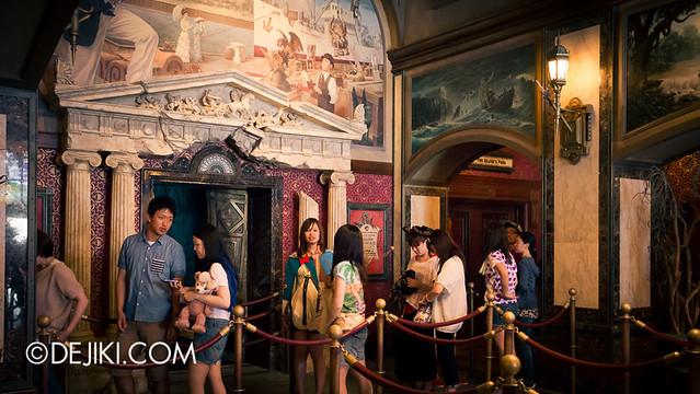 Tokyo DisneySea - Tower of Terror / Lobby Elevator