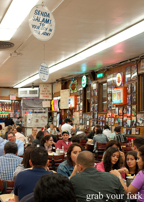 dining room at katz's deli nyc new york usa jewish food lower east side les