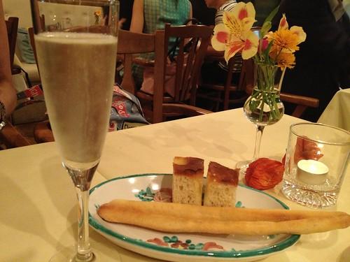 スプマンテと手作りパン@ラ ブリアンツァ