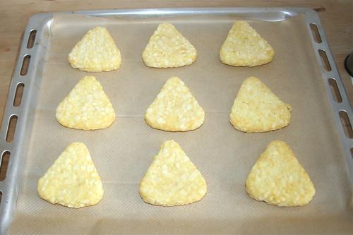 27 - Rösti auf Backblech geben / Put roesti in baking tray