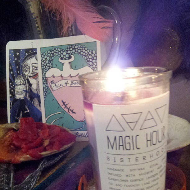 Full moon tarot reading, witchy stuff. Listening to mellow, nostalgic music, thinking of loves come and gone, moving life forward, curiosity.