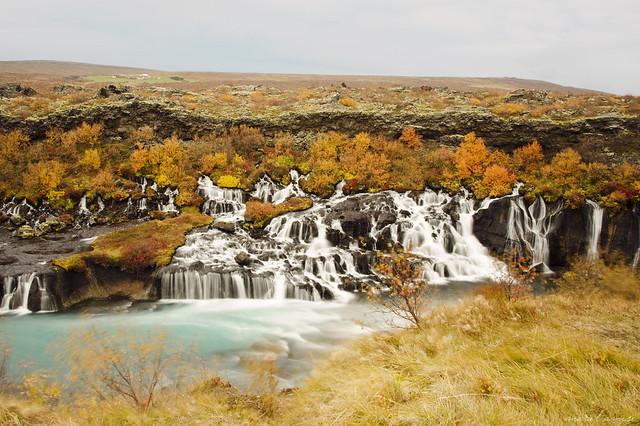 Un automne islandais ~ Hraunfossar, les élégantes