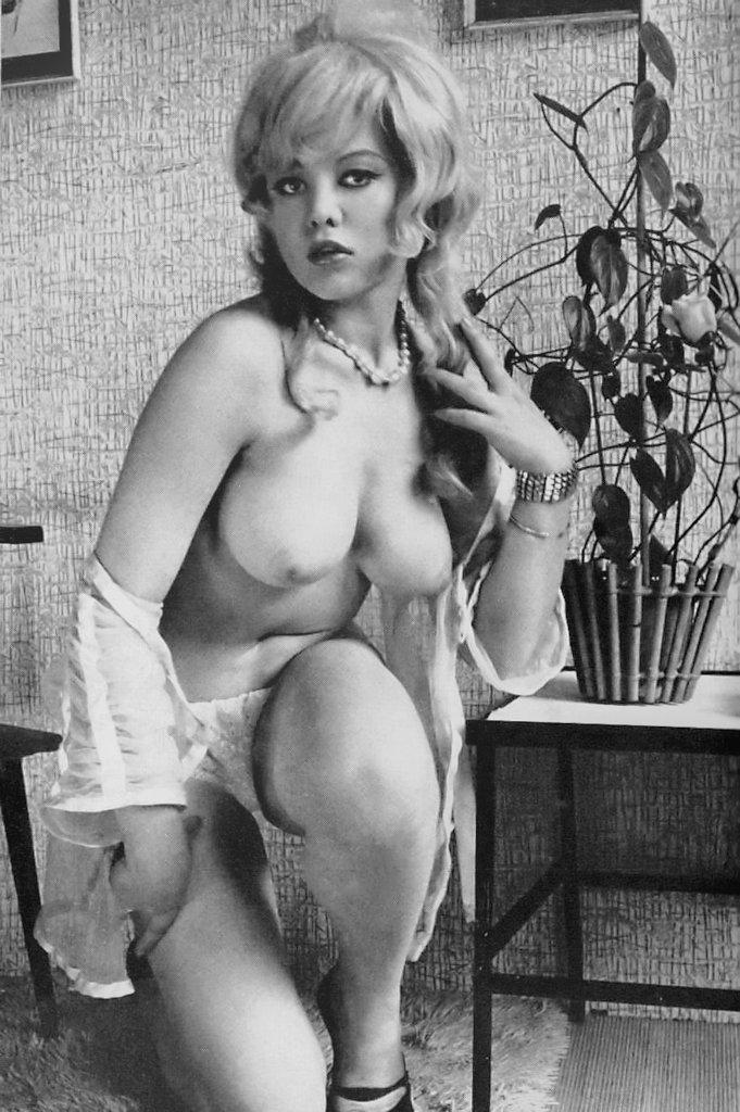 Yvette Off Babestation Naked 117