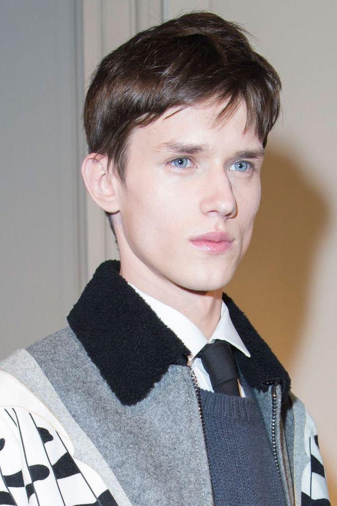 Yulian Antukh(Antuh)3123_1_FW15 Paris Valentino(fashionising.com)