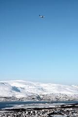 The daily Olso-Tromsö-Longyearbyen/Svalbard/Spitsbergen flight approaches Tromsö