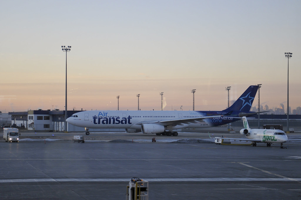 C-GCTS - A333 - Air Transat