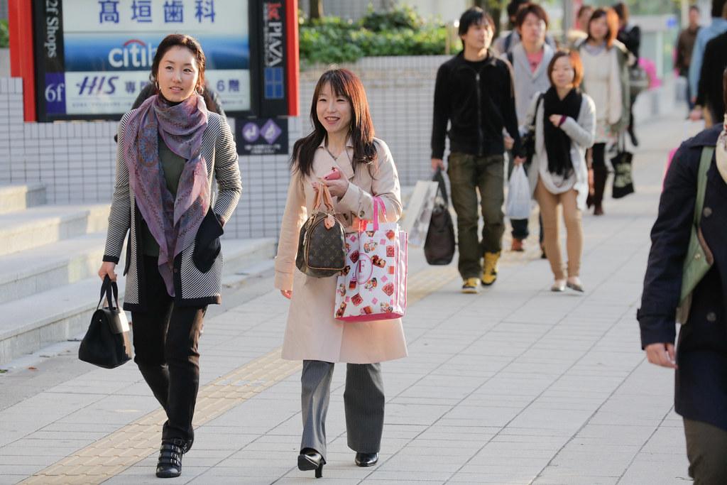Umeda 1 Chome, Osaka-shi, Kita-ku, Osaka Prefecture, Japan, 0.004 sec (1/250), f/6.3, 188 mm, EF70-300mm f/4-5.6L IS USM