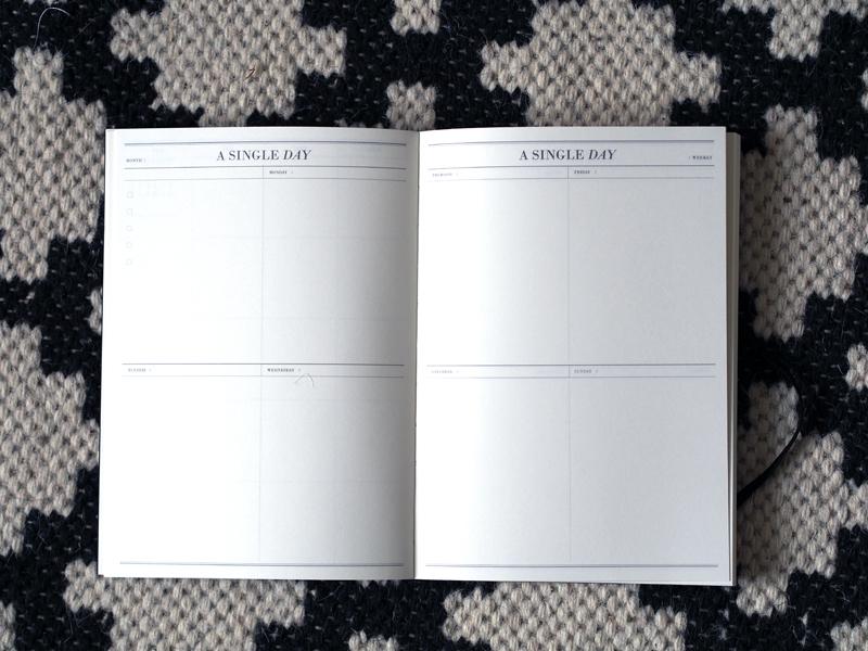 uusi kalenteri nätti ja yksinkertainen
