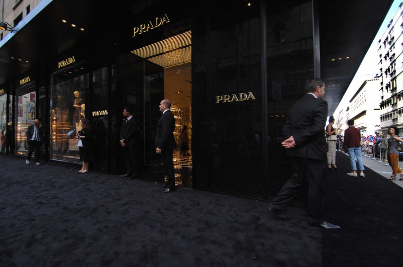 prada-bari-boutique-inaugurazione