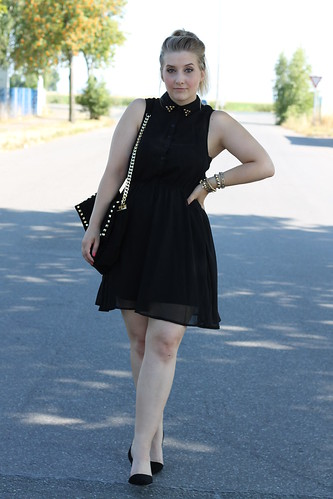 Party outfit schwarzes kleid
