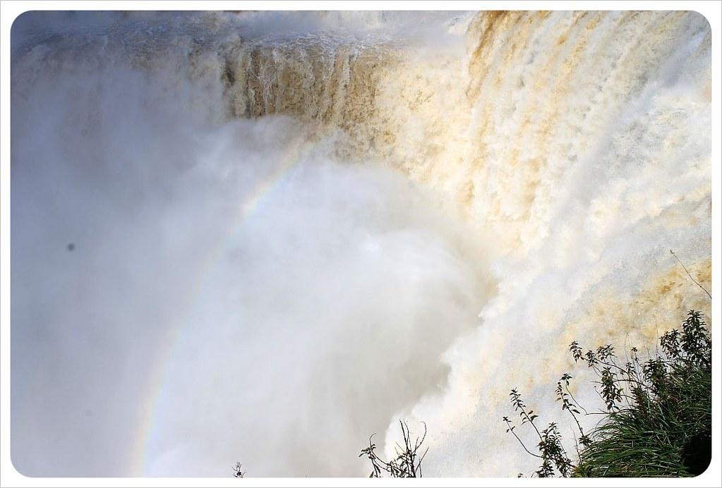 iguazu falls garganta del diablo mist