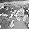 Balada sandal jepit di masjid