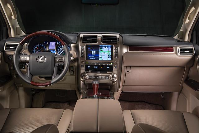 2014_Lexus_GX_460_001