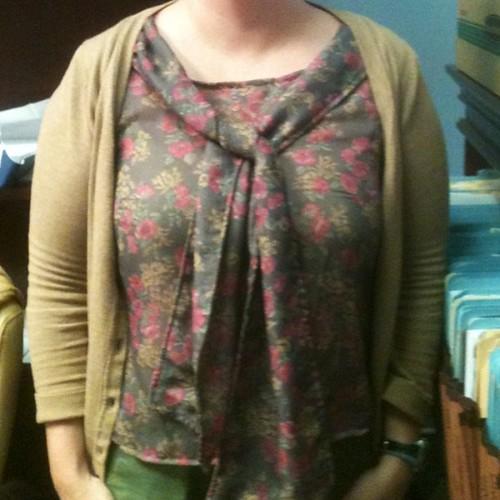 Sleeveless scarf blouse from #ShapeShape book