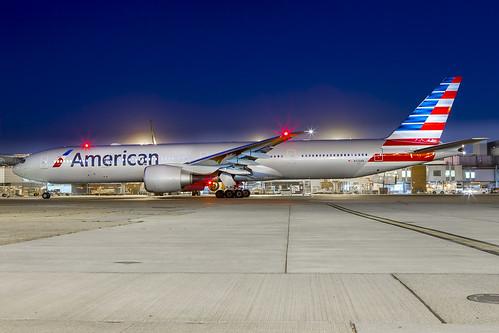 N720AN American Boeing 777-300 LHR