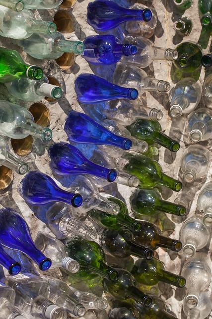 Bottle House, Airlie Gardens