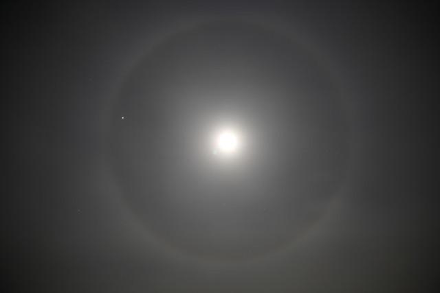 20131218_lunar-halo_001