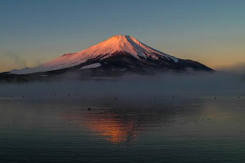 winter japan fog sunrise december day fuji getty crazyshin yamanashi lakeyamanaka 山中湖 富士 2013 気嵐 order500 17℃ dp1m sigmadp1merrill sdim3927 8298321 11624821636