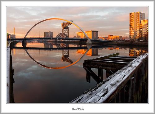 bridge winter sunset urban landscape scotland riverclyde crane dusk glasgow govan sciencecentre pacificquay finnieston theclydearc