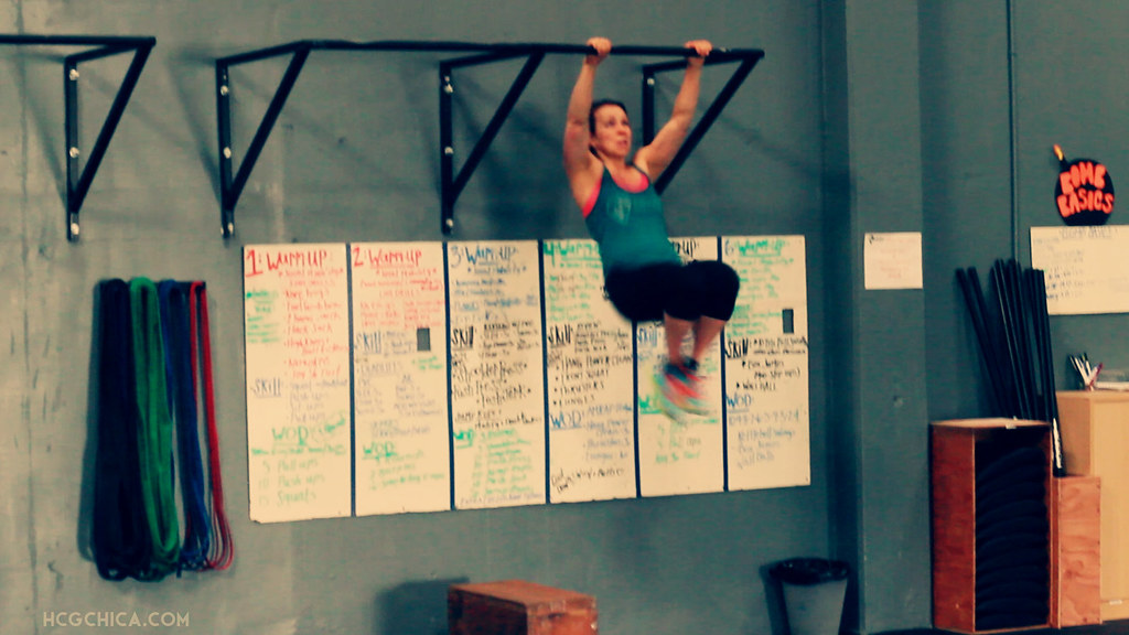 crossfit-female-kipping-pull-up-hcg-diet-2-web
