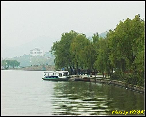杭州 西湖 (其他景點) - 089 (湖濱路的湖畔與北山路的湖畔交界看西湖十景之 斷橋)