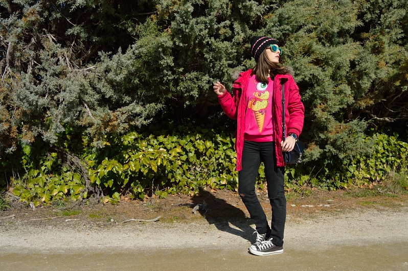 lara-vazquez-madlula-blog-fucsia-ice-cream-sweater-casual-outfit-winter