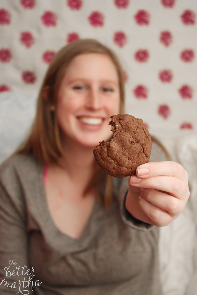 ellie holding cookie