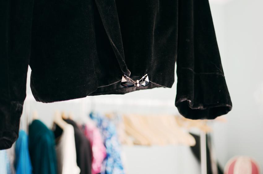 vintage--black-velvet-jacket b