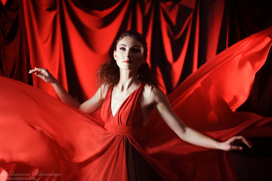 Alesya_red_dress_04