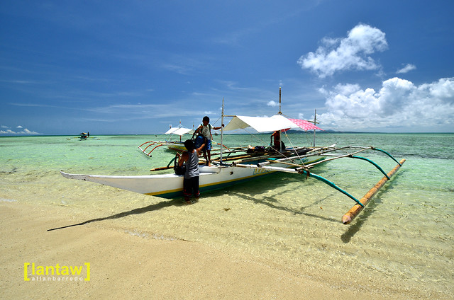 Cagbalete Island - Off loading in Villa Cleofas