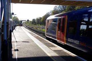 RD8910.  A Class 450 EMU at Farnborough en route to Basingstoke.