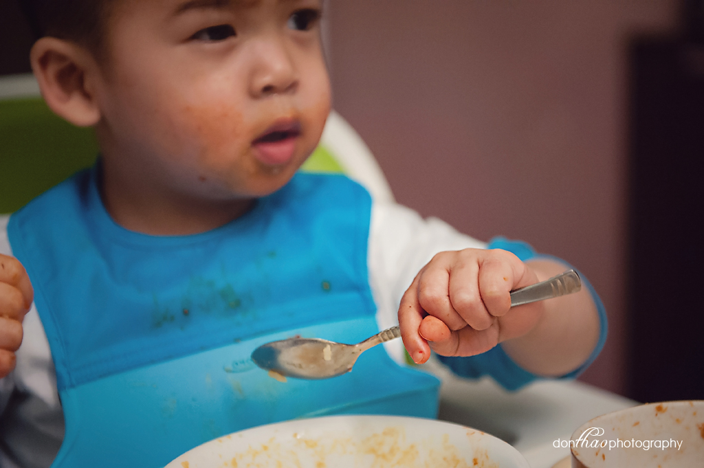 personal 365 - toddler eating lifestyle photography