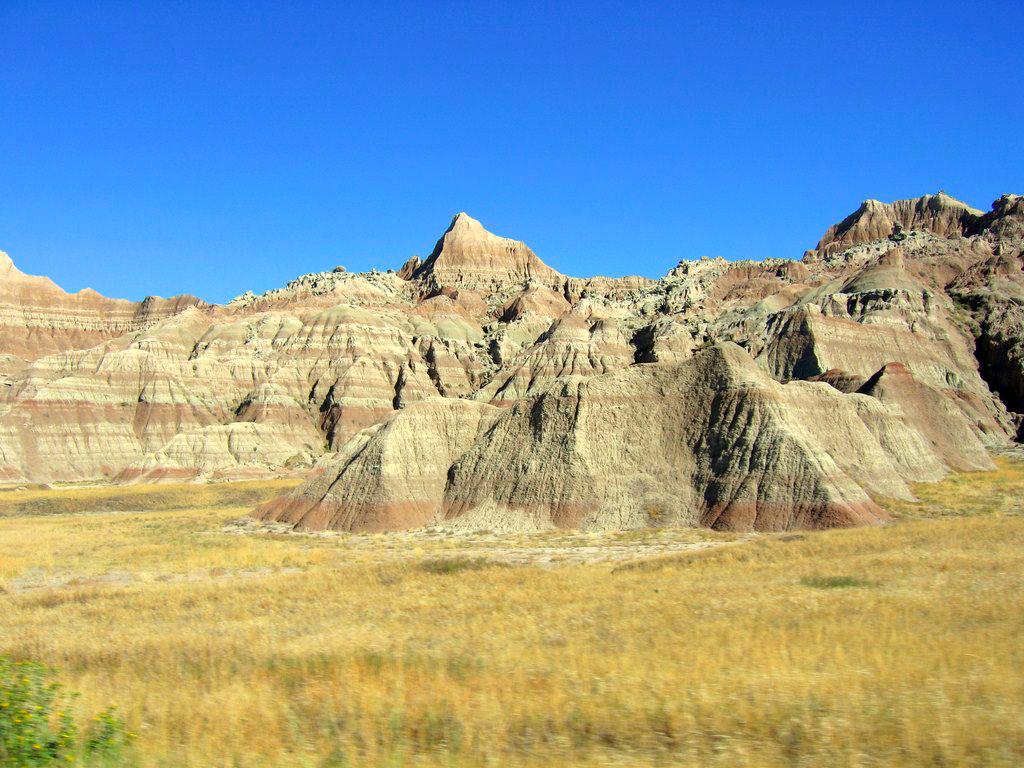Impresionantes formas erosionadas de Badlands Parque Nacional Badlands, devastadora erosión - 16504203685 bd92b3b69a b - Parque Nacional Badlands, devastadora erosión