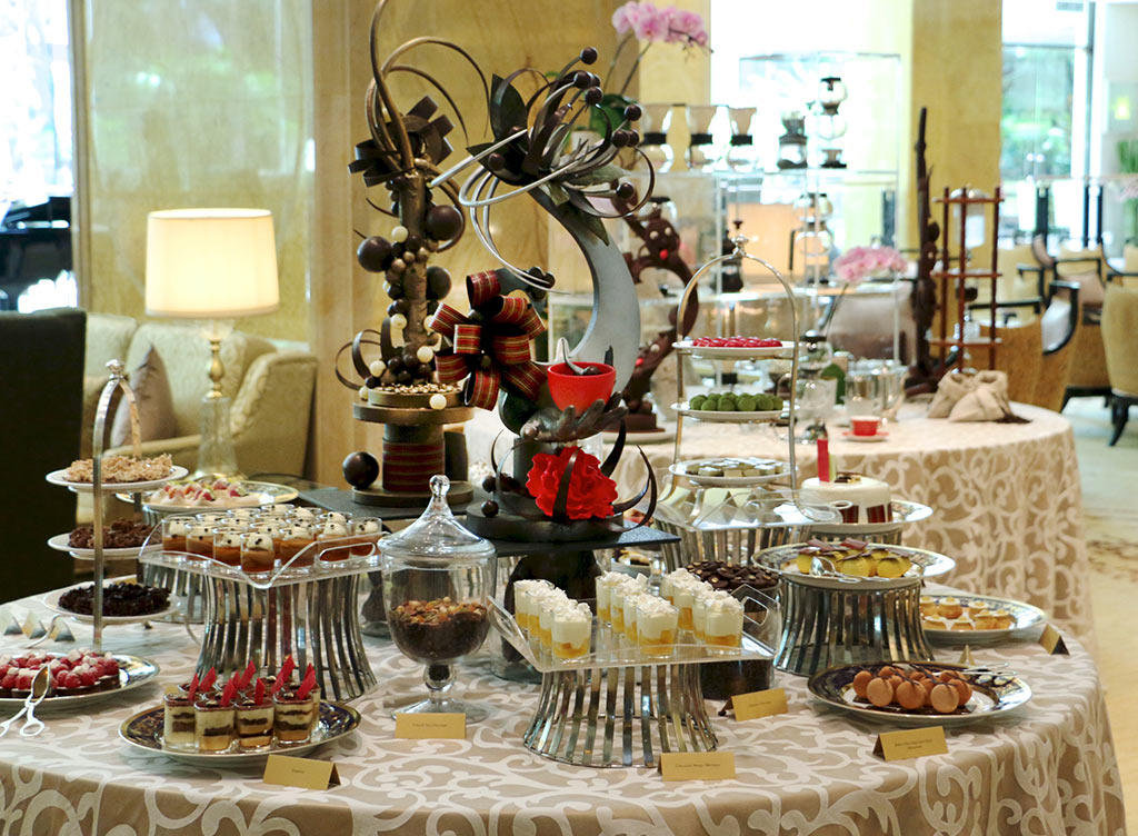 Coffee-&-Chocolate-High-Tea-Buffet-at-Lobby-Lounge,-Shangri-La-Hotel,-Kuala-Lumpur-1