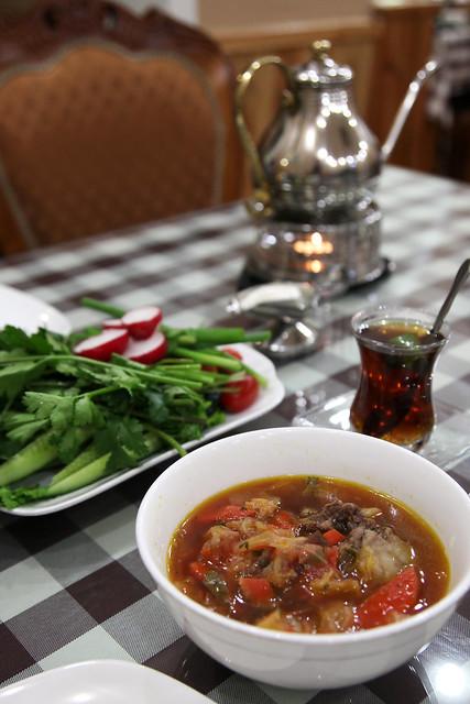 At a Azerbaijani restaurant in Urumqi ウルムチのアゼルバイジャン料理店