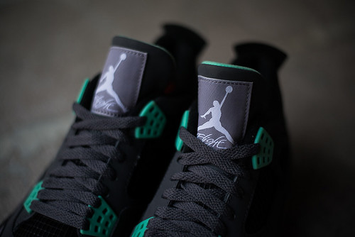 Air Jordan 4 Retro Green Glow colorway