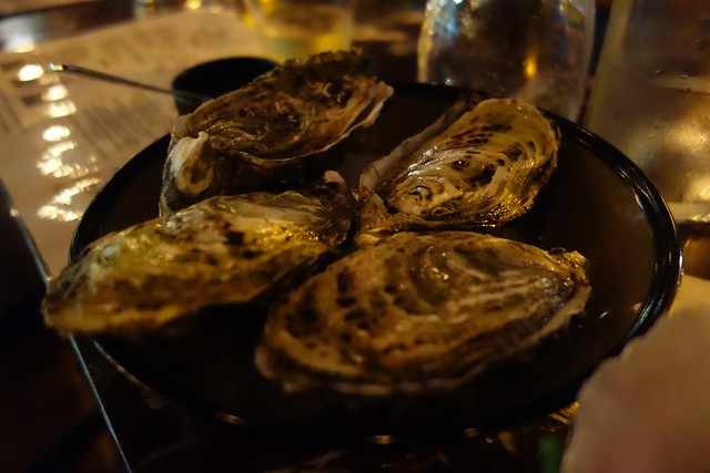 oysters served natural