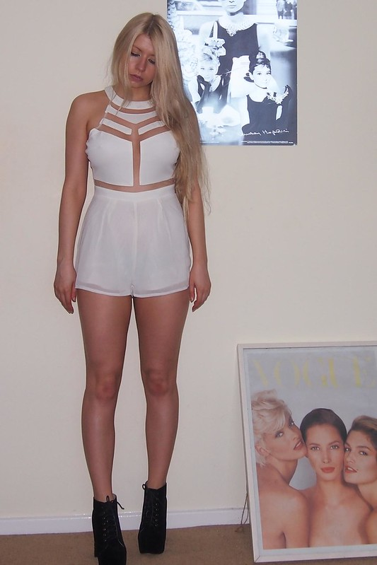 Sam Muses, UK Fashion Blog, London Style Blogger, Missguided, Playsuit, Jumpsuit, Mesh, Panel, Panelled, Cut-Out, Peekaboo, Milenka, Nicole Scherzinger, Get the Look, Lita, Dupes, Boohoo, How to Wear, How to Style, Outfit Ideas, Styling Ideas