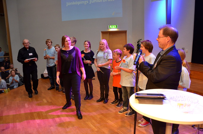 Brassbandfestivalen 2013 - Rebecca Toth, Bor, får Instrumentalistpriset i Minibrassdivisionen (Foto: Olof Forsberg)