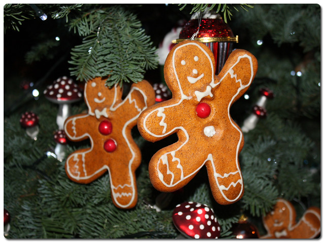 chatsworth15-tumnus-tree-gingerbread-men