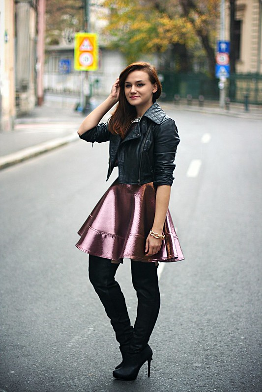 topshop metallic skater dress 1, metallic dress, fit and flare dress, jennifer lopez metallic dress and knee high boots
