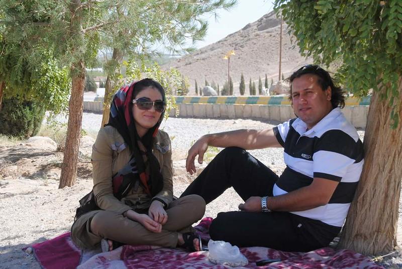 277 Eví y su novia en Rigzad (5)