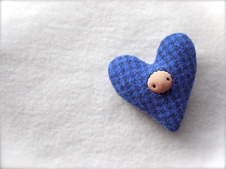 HEART Drizzle: Blue Houndstooth (peach face)