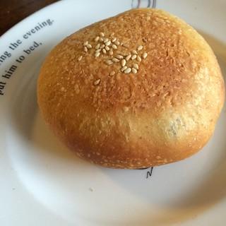 マンゴー酵母の押しあんパン