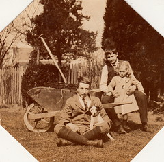 Dick, Sylvia Stoney Smith & Ken Howarth, Cheltenham (1919)