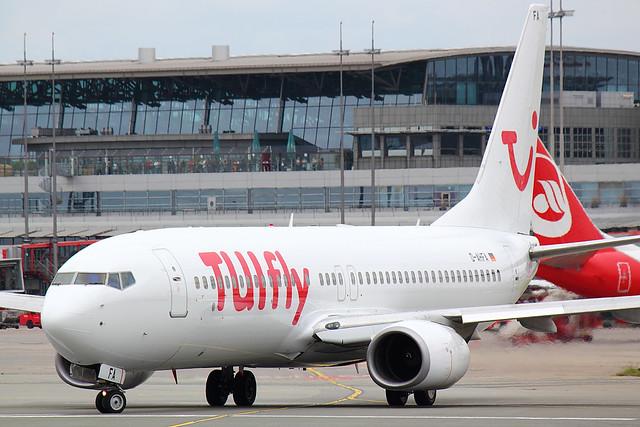 TUIfly - B738 - D-AHFA (1)