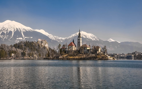 winter panorama lake castle church water landscape lago island march nikon scenery day view postcard clear chiesa slovenia bled slovenija polarizer grad acqua inverno castello marzo cartolina isola otok 2014 centraleurope lakebled gorenjska blejskiotok jezero bledcastle blejskigrad bledisland polarizzatore republikaslovenija lagodibled blejskojezero d5000 europacentrale uppercarniola republicofslovenia ccr358 altacarniola nikond5000 pwwinter
